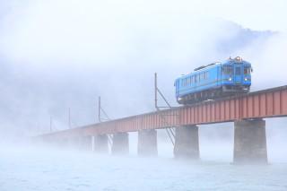 川霧出る朝の丹鉄を撮る!